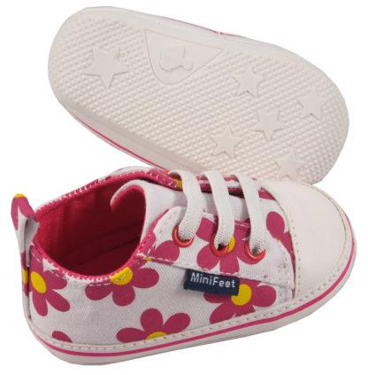White Pink Daisies-126